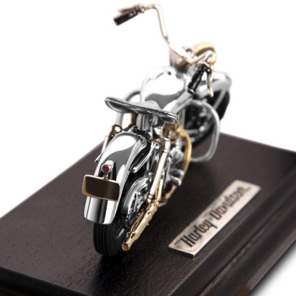 Модель мотоцикла Harley Davidson