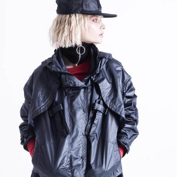 Куртка с капюшоном oversize из плащевой ткани черного цвета