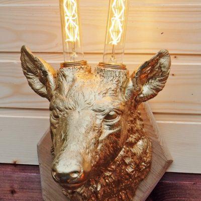 Светильник настенный - Голова оленя золотого цвета