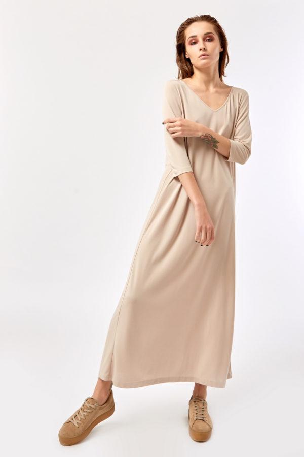 Расклешенное платье светлое