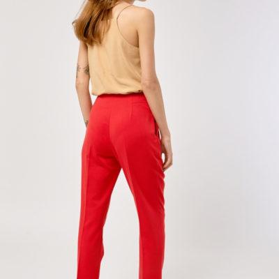 Узкие брюки красные