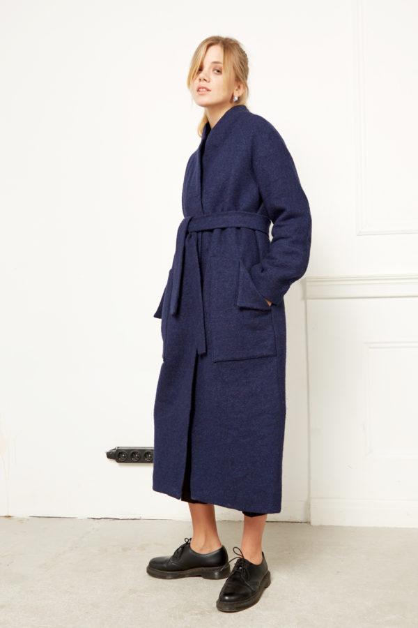 Зимнее пальто синее