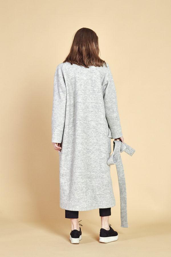 Пальто букле серое