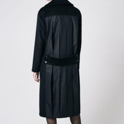 Пальто со вставкой