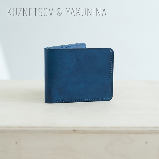 Маленький складной кошелек синего цвета