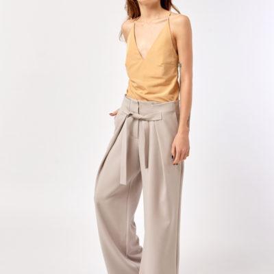 Широкие брюки светлые