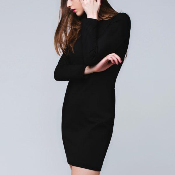 Базовое платье чёрного цвета