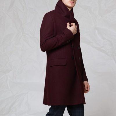 Пальто с шалевым воротником бордового цвета