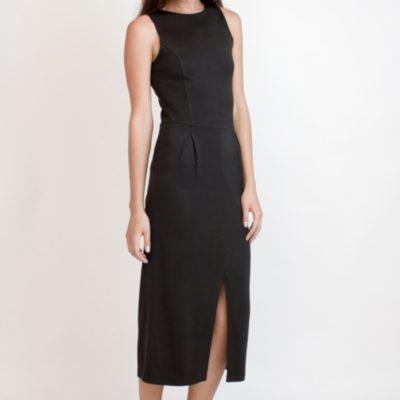 черное платье из плотного трикотажа