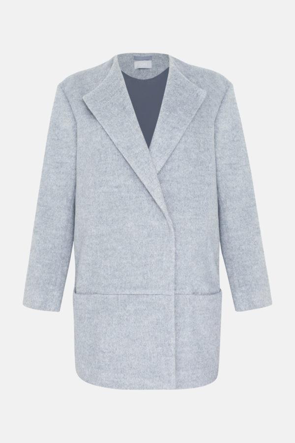 Короткое пальто серое