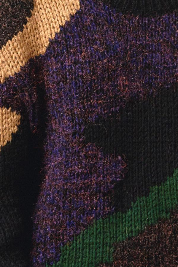 Свитер ручной вязки