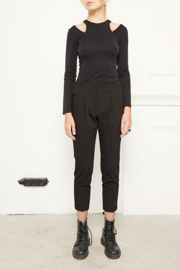 Узкие укороченные брюки черные