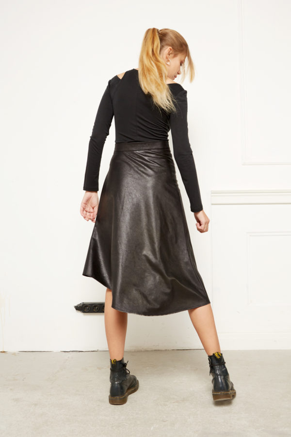 Асимметричная юбка из искусственной кожу