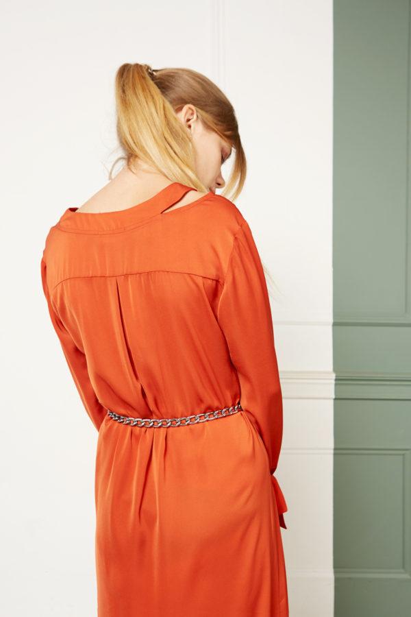 Платье с V-образной горловиной коралловое