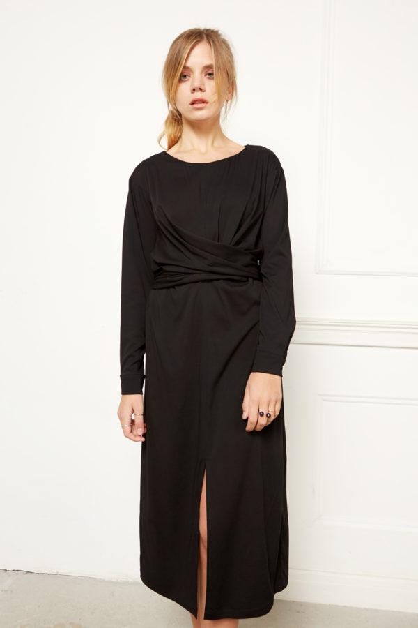 Платье с драпировкой черное