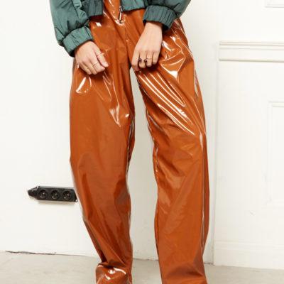 Лаковые брюки коричневые