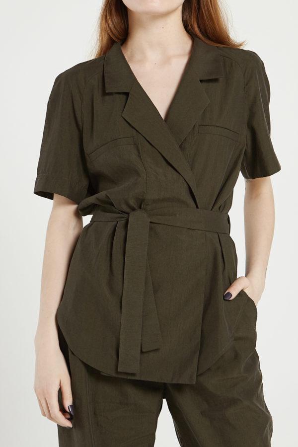 Блузка с лацканами