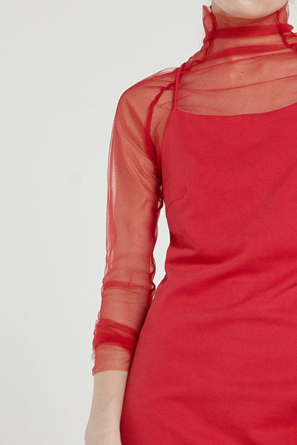 Платье-водолазка из фатина красное