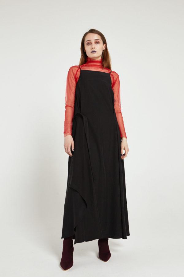 Платье трапеция на бретельках черное