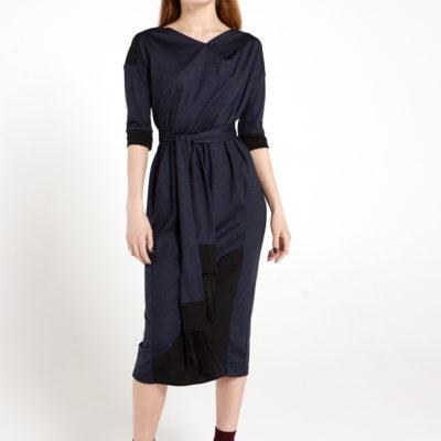 Платье с поясом темно-синее