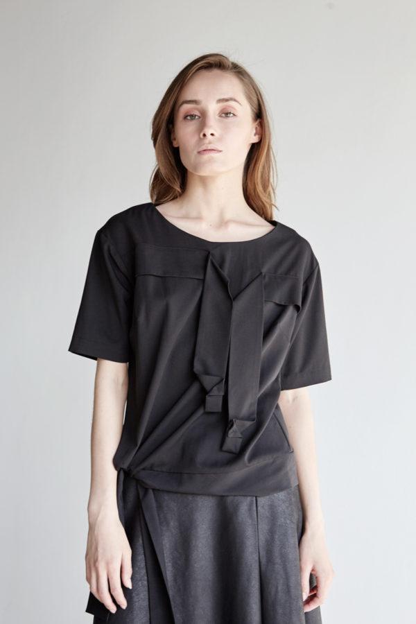 Блуза с лентами оригами черная