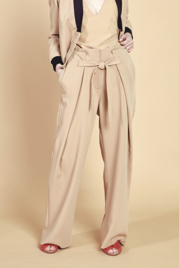 Широкие брюки бежевые