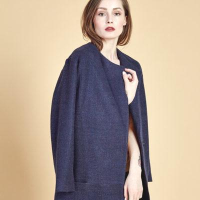 Короткое пальто синее