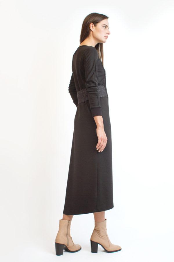 Трикотажное платье с длинным рукавом черное