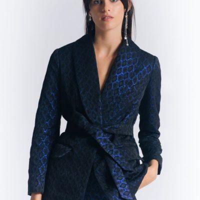 Брючный костюм с узкими брюками синий