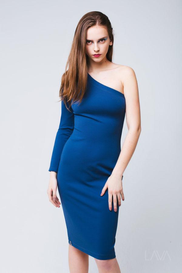 Дизайнерское платье с открытым плечом
