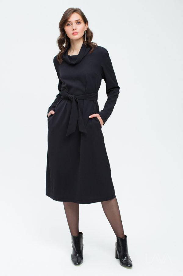 Платье с двумя поясами
