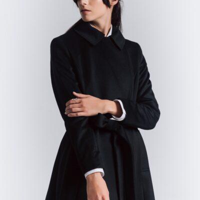 Дизайнерское длинное пальто расклешенное Черное
