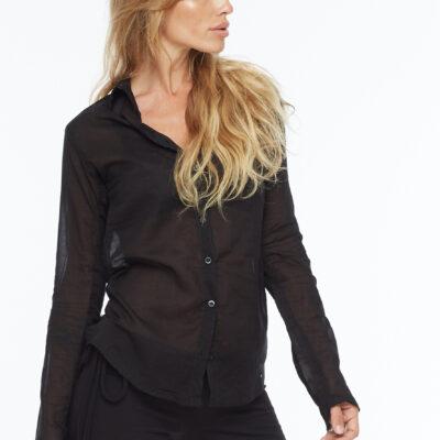 Чёрная рубашка из тонкого хлопка