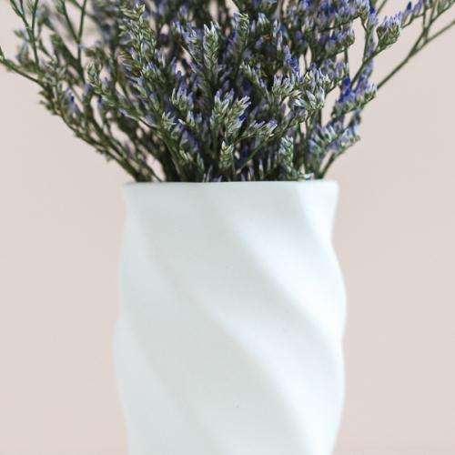 Крученая ваза